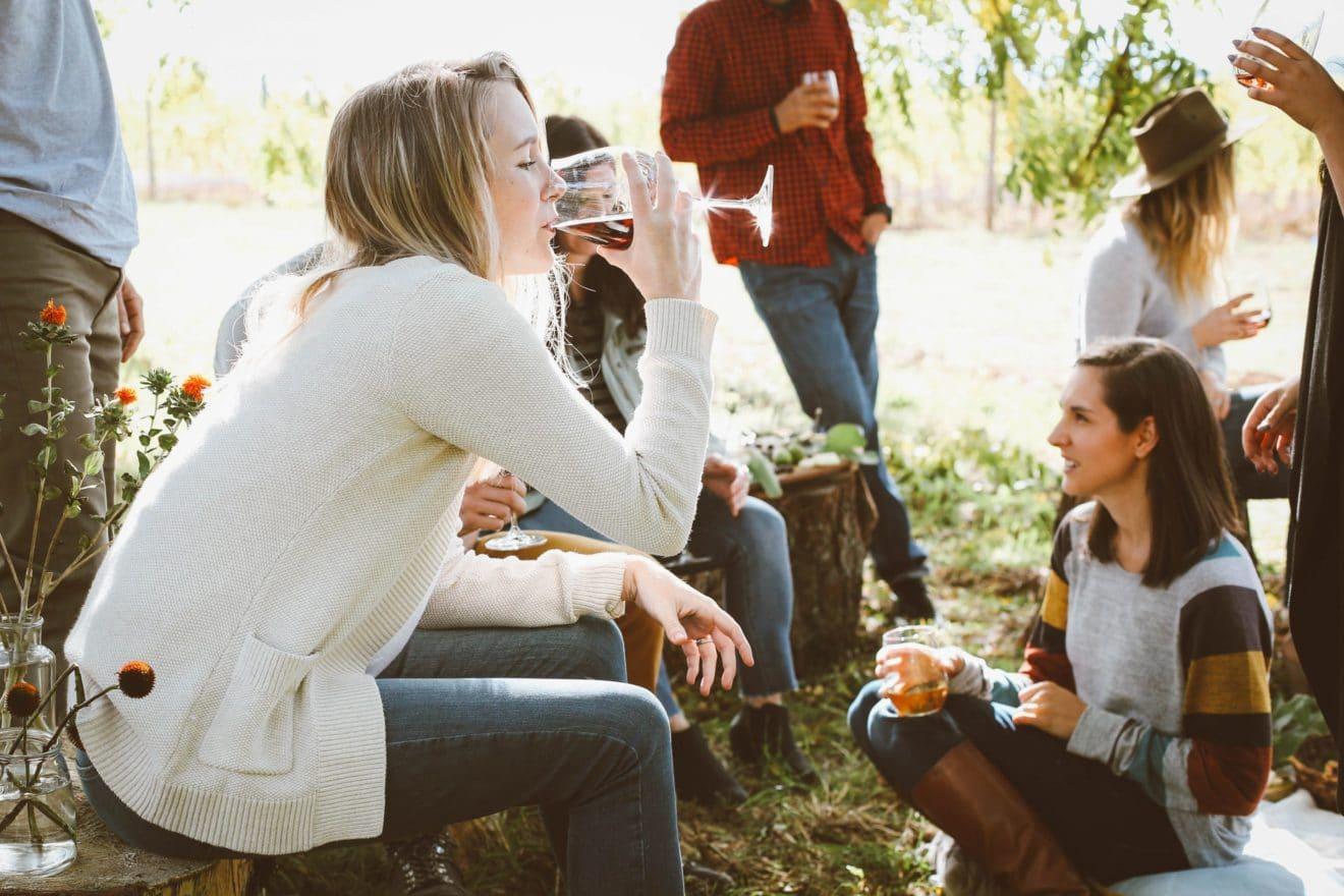 Erwachsene neue Freunde finden als Erwachsener